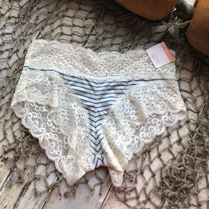 NWT Gilligan & O'Malley Lace Hipster Panties XS